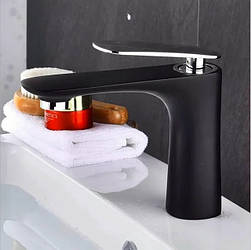 Смеситель для ванной на раковину. Модель RD-430-1 Черный с серебром