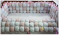 Бортики защита в детскую кроватку Бомбон + постельное бельё.