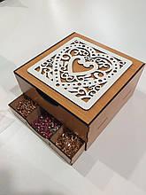 Коробка органайзер/бокс для рукоделия с гравировкой 22х22х12см
