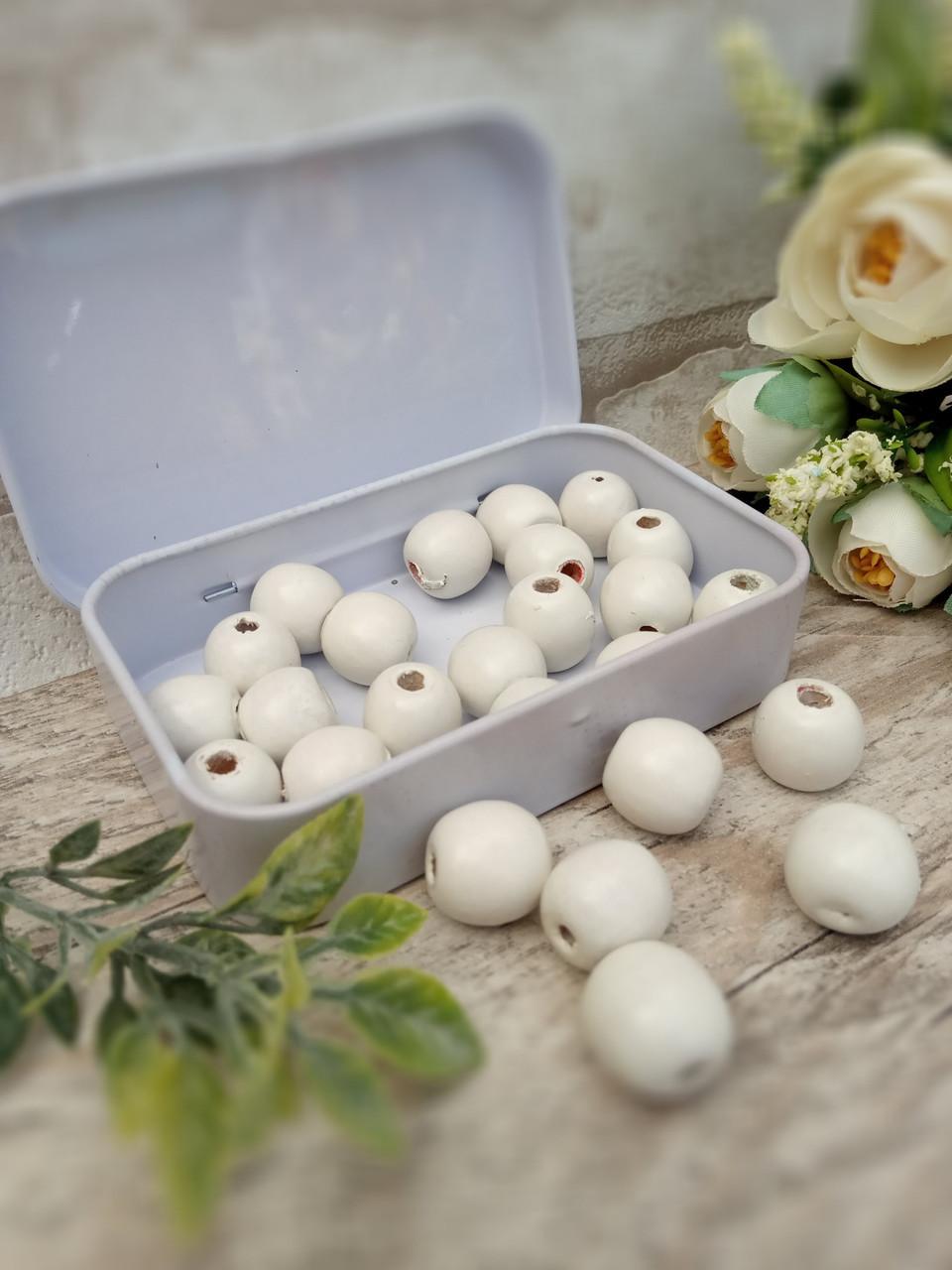 Білі бусіни з дерева, діаметр 1,3 см, 25 шт/уп 15 грн
