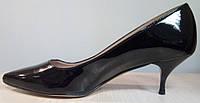 Оригинал Benetton. Италия. Туфли женские черные на каблуке фирмы Benetton. Размер 39