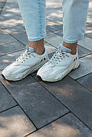 Adidas Yeezy Boost 700 Analog. Женские кроссовки Адидас Изи Буст 700 Аналог белые