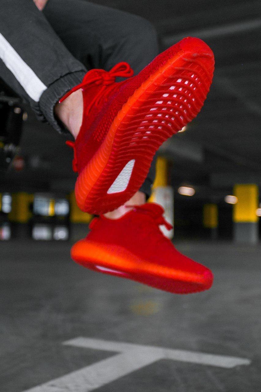 Кроссовки женские Adidas Yeezy Boost 350 V2 Red