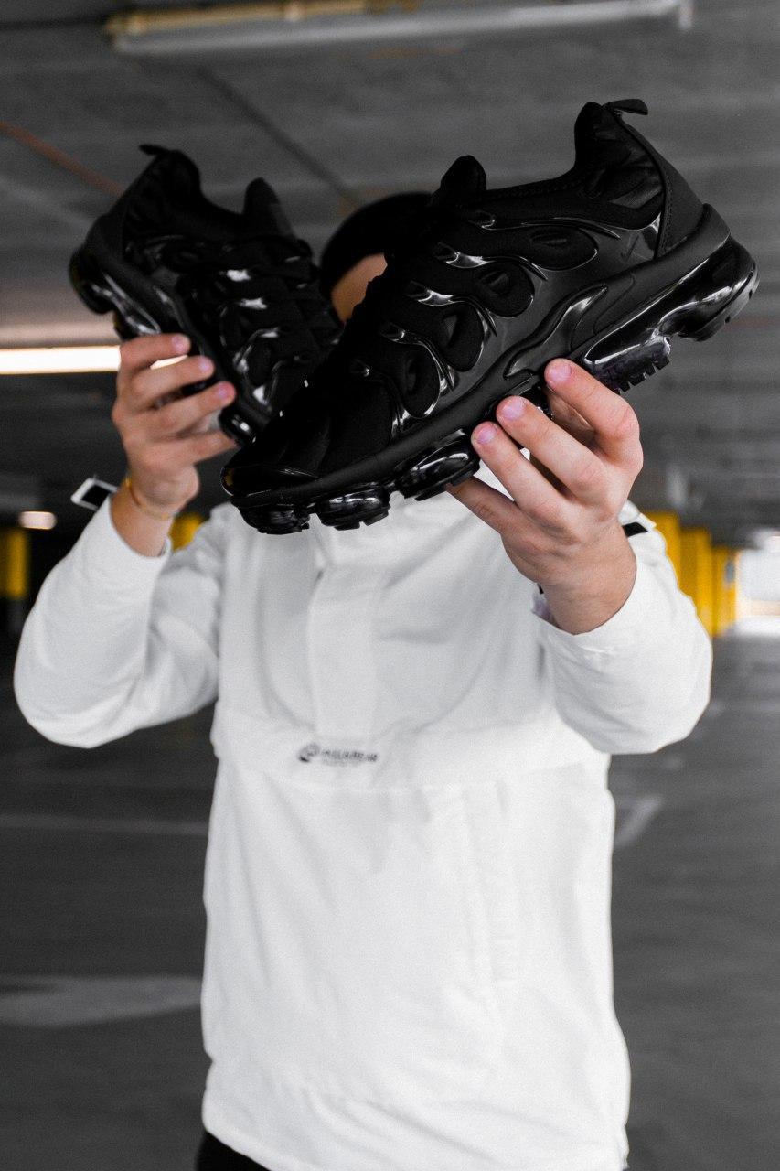 Кроссовки женские Nike Air VaporMax Plus Triple Black