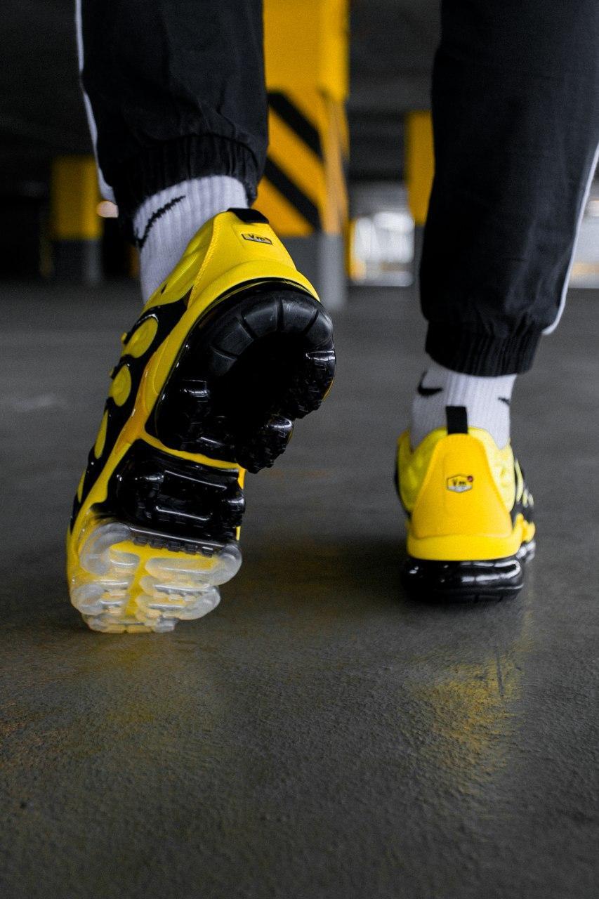 Кроссовки женские Nike Air VaporMax Plus Bumblebee
