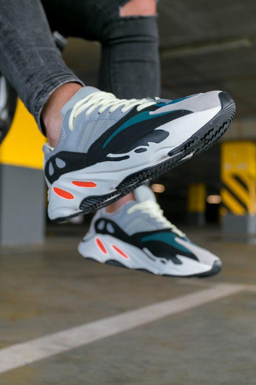 Кроссовки женские Adidas Yeezy Boost 700 Wave Runner Solid Grey