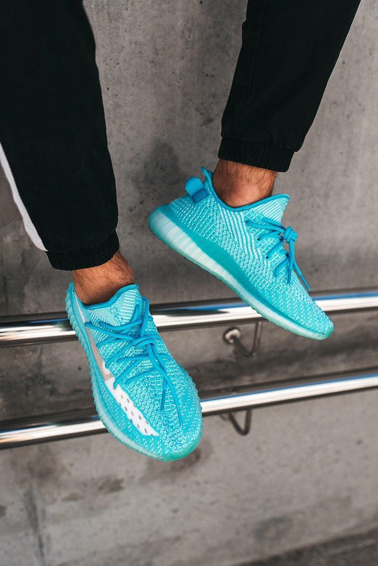 Кроссовки женские Adidas Yeezy Boost 350 V2 Bluewater