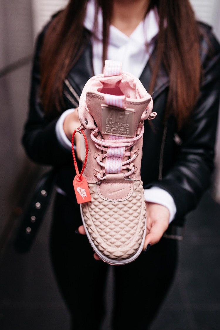 Кроссовки женские Nike Lunar Force 1 Duckboot Particle Pink (W)