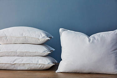 Який наповнювач вибрати для подушки, порівняльний тест