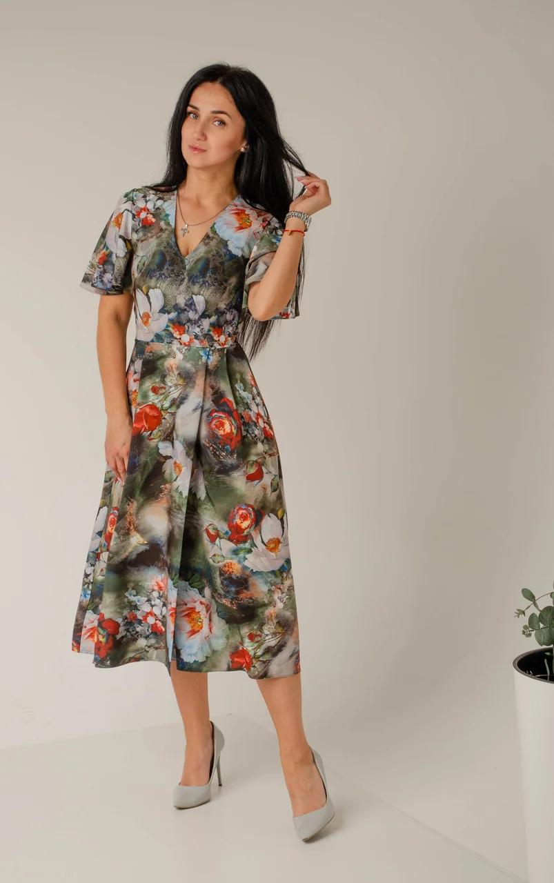 Платье женское за колено на запах с V-образным вырезом
