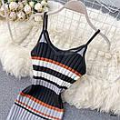 Короткое разноцветное платье из машинной вязки рубчик на бретелях 77py1344, фото 4
