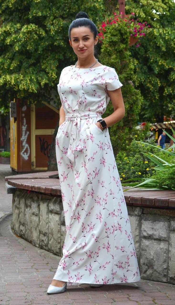 Нежное длинное платье молочное