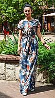 Длинное летнее платье под пояс с красивым цветочным принтом