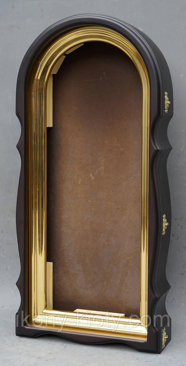 Арочный фигурный киот с золоченной рамой