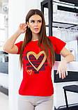 Красная трикотажная футболка с блестящим декором, фото 2