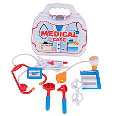 Набор медицинских принадлежностей в чемодане