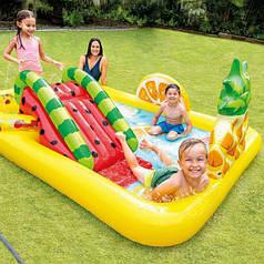 Детский надувной игровой центр (бассейн) с горкой Фрукты Intex 57158