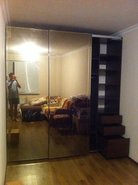 Зеркальный шкаф-купе с фацетом 32