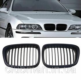 Решетка радиатора  BMW (БМВ) E39  ноздри