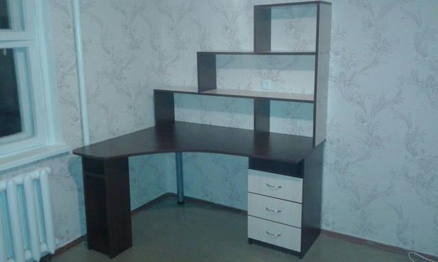 Письменный стол с надстройкой 19