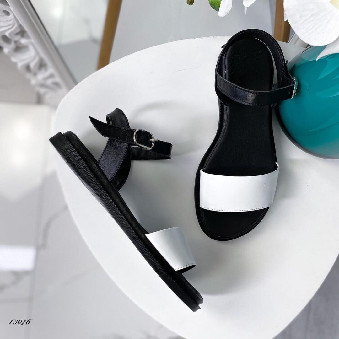 Босоножки черный+белый 13076