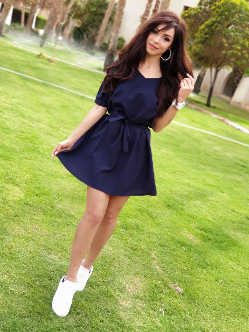 Легке літнє плаття міні з поясом