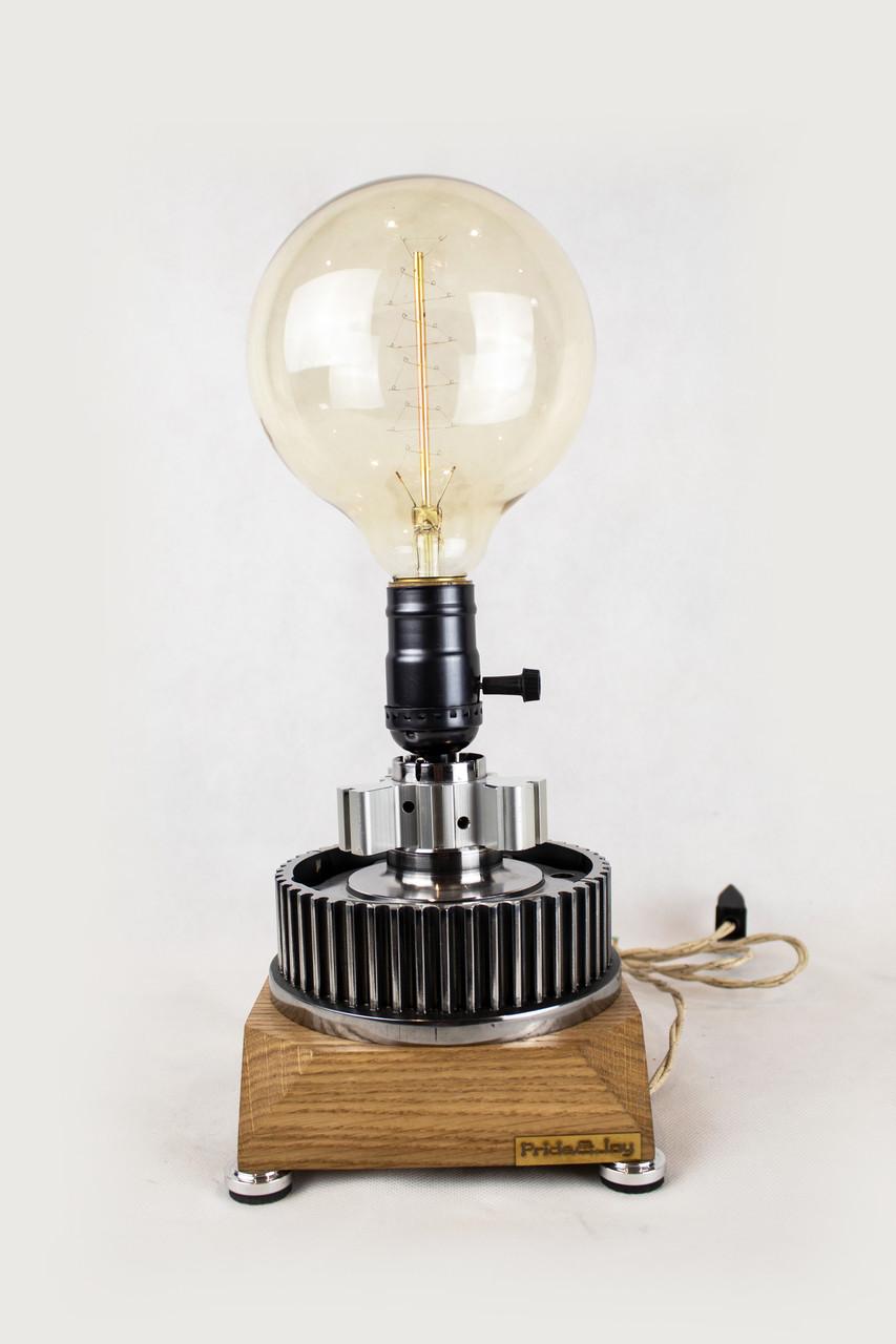 Настільна лампа Pride&Joy Industrial із авто запчастин та дерева
