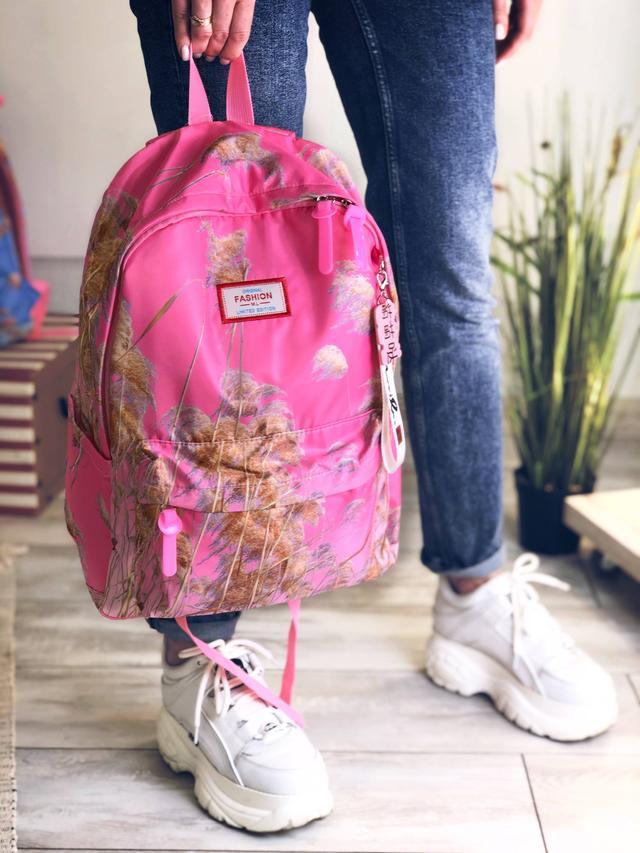 Рожевий рюкзак для дівчинки