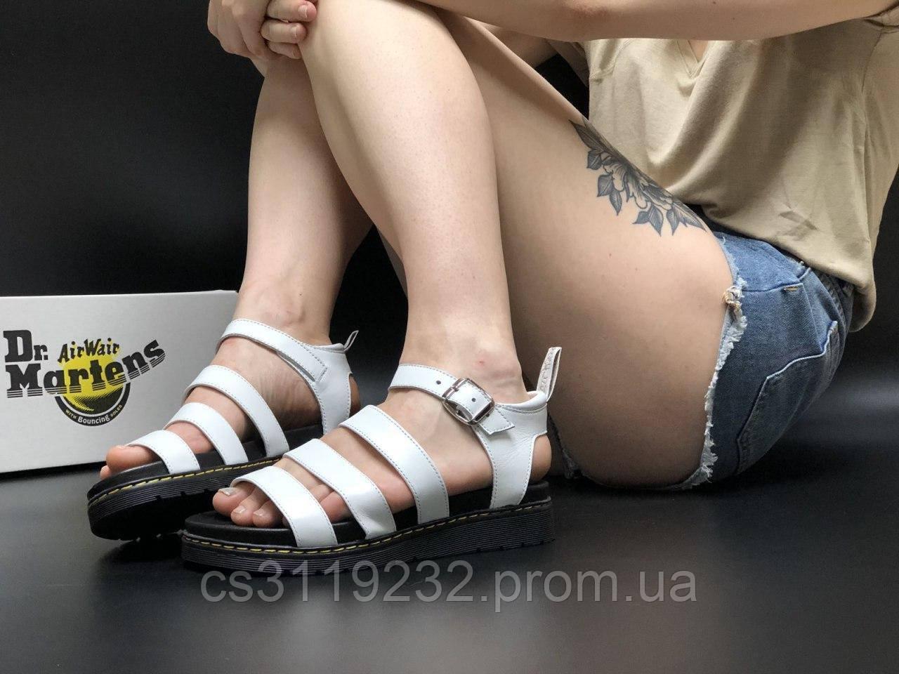 Женские кожаные сандали Dr. Martens (белые)