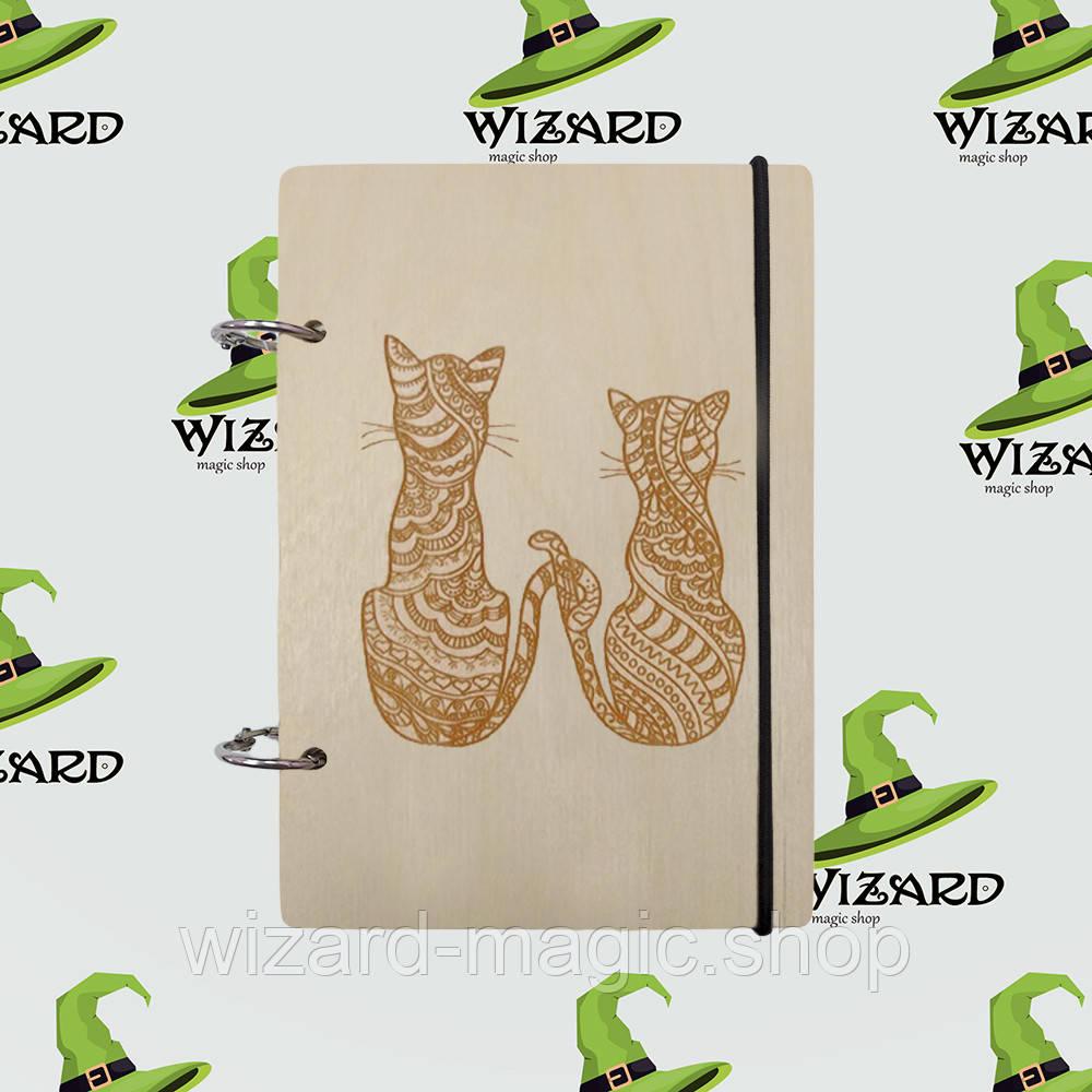 Деревянный блокнот А6 Два кота (светлое дерево)