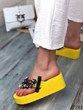 Женские пляжные шлепки с камнями ,на платформе 6 см, голубые, белые, желтые, фото 4