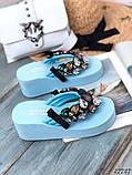 Женские пляжные шлепки с камнями ,на платформе 6 см, голубые, белые, желтые, фото 2