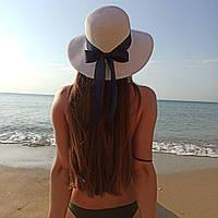Женская летняя шляпа белая с синей лентой и бантом