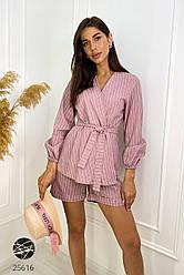 Женский розовый льняной костюм с шортами в полоску
