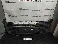 RC0382 531120d400 решетка бампера перед центр Toyota YARIS 14-17  www.avtopazl.com.ua