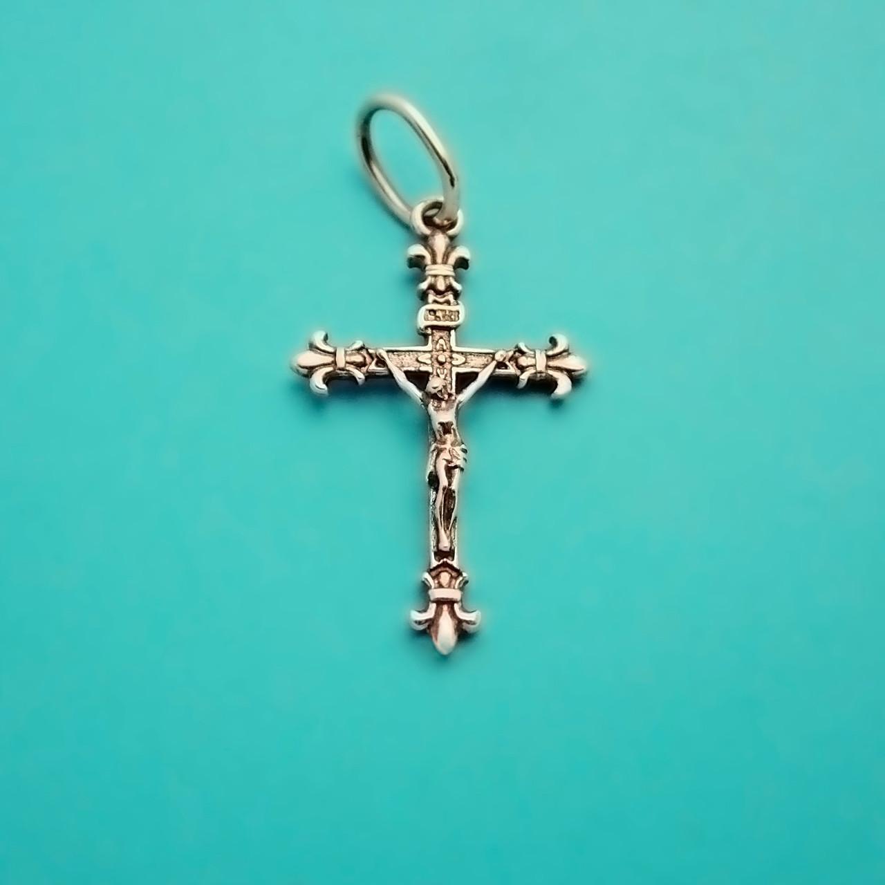 католический крест фото тем данное обращение