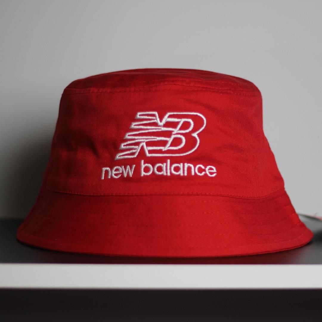 Панама New Balance красная. Стильная летняя шляпа красного цвета.