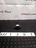 KU1391 8200051471 крепление радиатора  Renault (RVI) Kangoo 2 08-12 www.avtopazl.com.ua