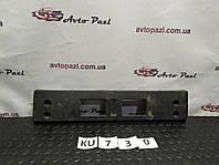 KU0730 86519F1000  Кронштейн номерного знака перед Hyundai/Kia Sportage 16- www.avtopazl.com.ua