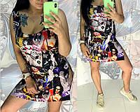 Летнее платье-туника с ярким принтом
