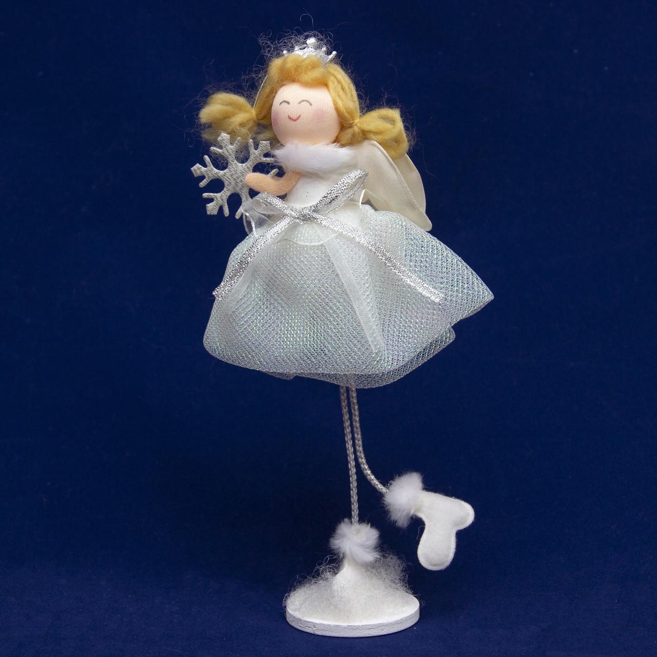 Декорация - ангелочек со снежинкой на подставке, 24 см (220327-3)