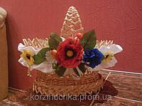 Пасхальная корзина с ободком украшенная цветами