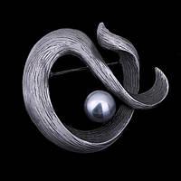 Брошка - Жемчужный завиток (Серый)