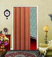 Дверь гармошка глухая Красное дерево (раздвижные, межкомнатные, крепление на колесиках и магнитах)