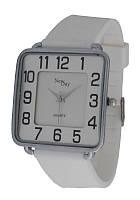 Часы женские классические квадратные NewDay