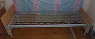 Кровать двухярусная железная с деревяными спинками, армейская