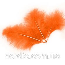 Перья для воздушных шаров и декора оранжевые, 10 грамм (100 штук).