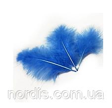 Перья для воздушных шаров и декора синие, 10 грамм (100 штук).