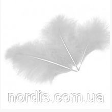 Перья для воздушных шаров и декора белые, 10 грамм (100 штук).