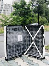Пластиковый чемодан из полипропилена средний белого цвета  Франция, фото 3